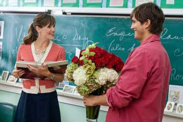 Say it with flowers: Has romantic hero Reed Bennett (Ashton Kutcher) had an Epiphany and realized that Friend Julia Berlison (Jennifer Garner) is actually the One? Courtesy of New Line CinemaSay it with flowers: Has romantic hero Reed Bennett (Ashton Kutcher) had an Epiphany and realized that Friend Julia Berlison (Jennifer Garner) is actually the One? Courtesy of New Line Cinema