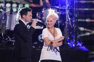 Adam Levine and Christina Aguilera singing Move Like Jagger on The Voice