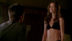 Summer Glau in bra